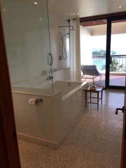 mauna-kea-deluxe-bathroom