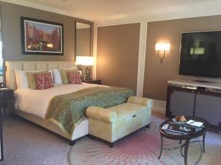 beverly-hills-hotel-room