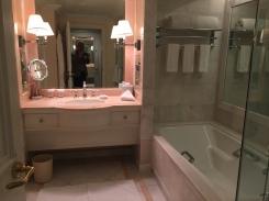 peninsula-beverly-hills-bathroom